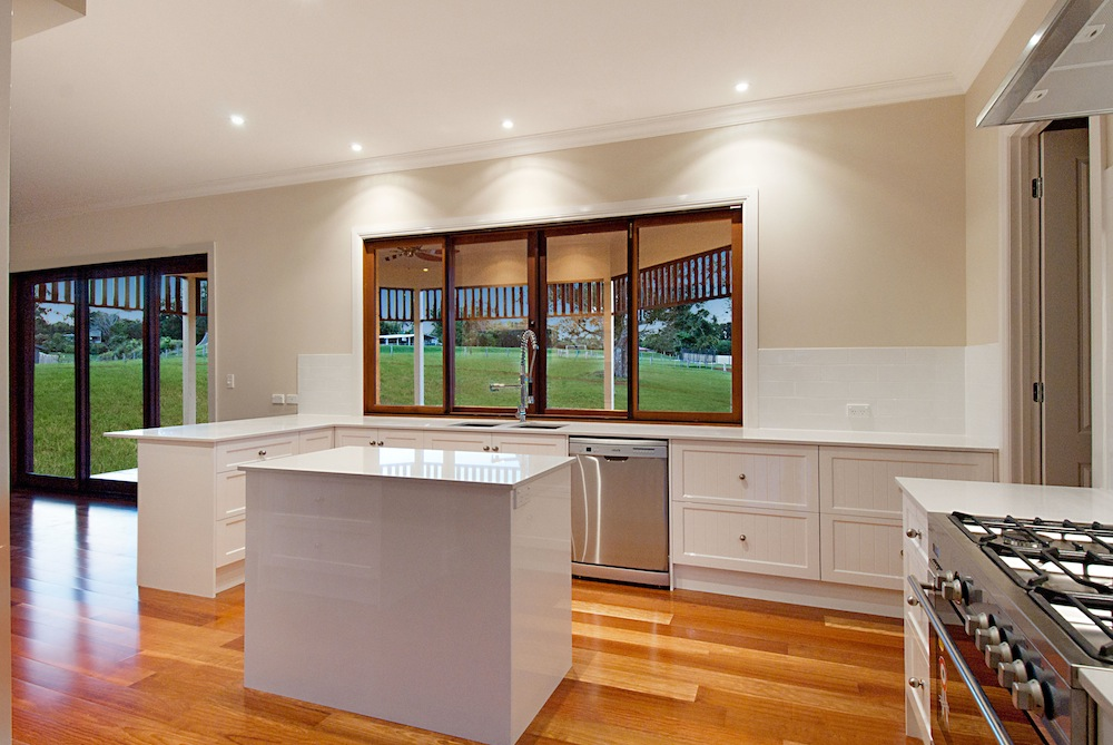 Kitchen cabinets gold coast for Kitchen designs gold coast